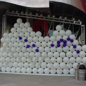 BALLOON-Wall-EMP-Seattle-2