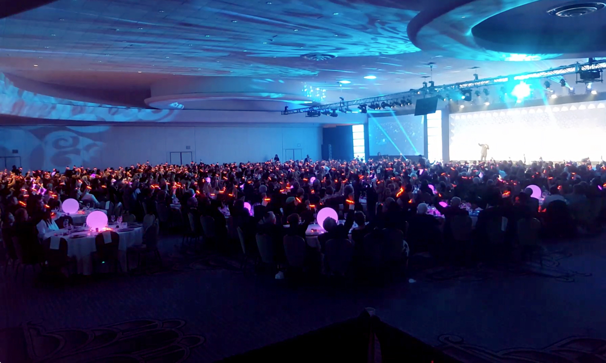 XylobandsUSA LED wristbands LIGHT UP special events