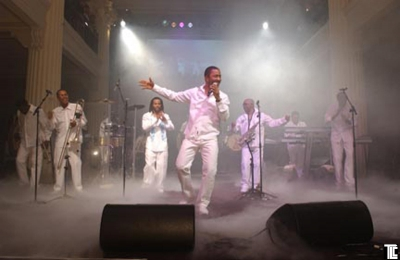 Fog special effects for Kool & the Gang by TLC Creative