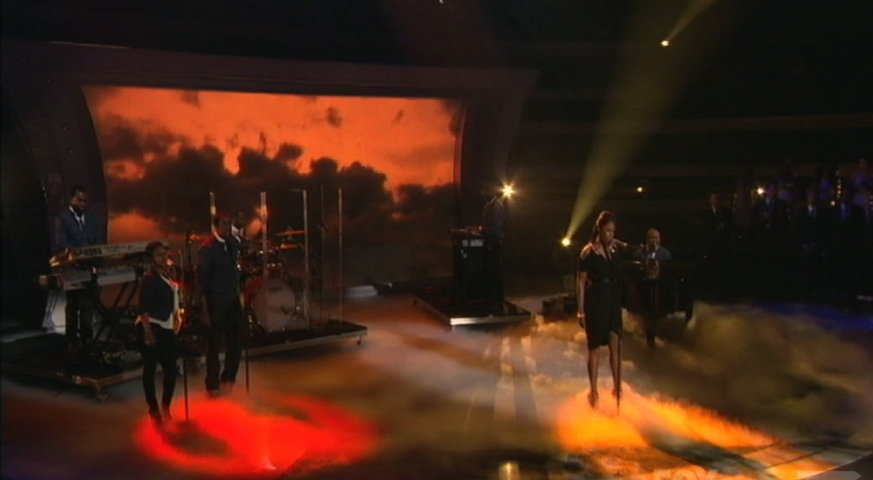 Fog Effects by TLC Creative for Jennifer Hudson on American Idol