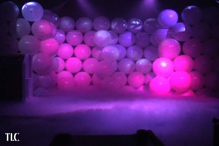 BALLOON WALL preshow TLC Creative