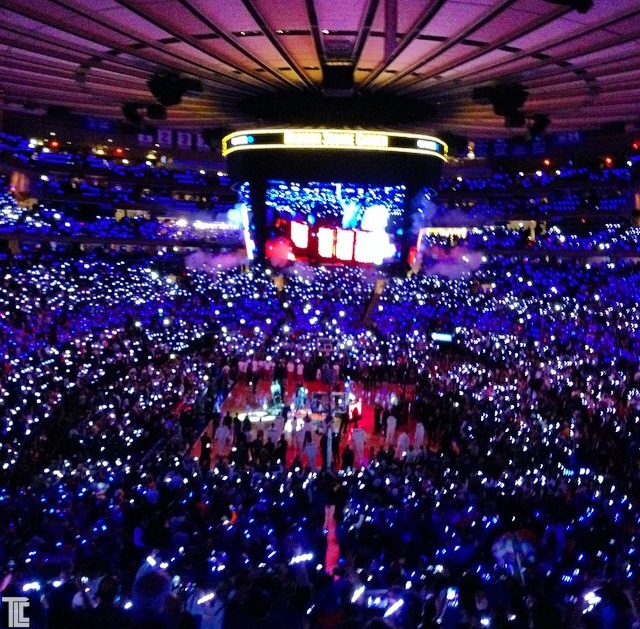 Xylobands light up KNICKS and BLUE MAN GROUP